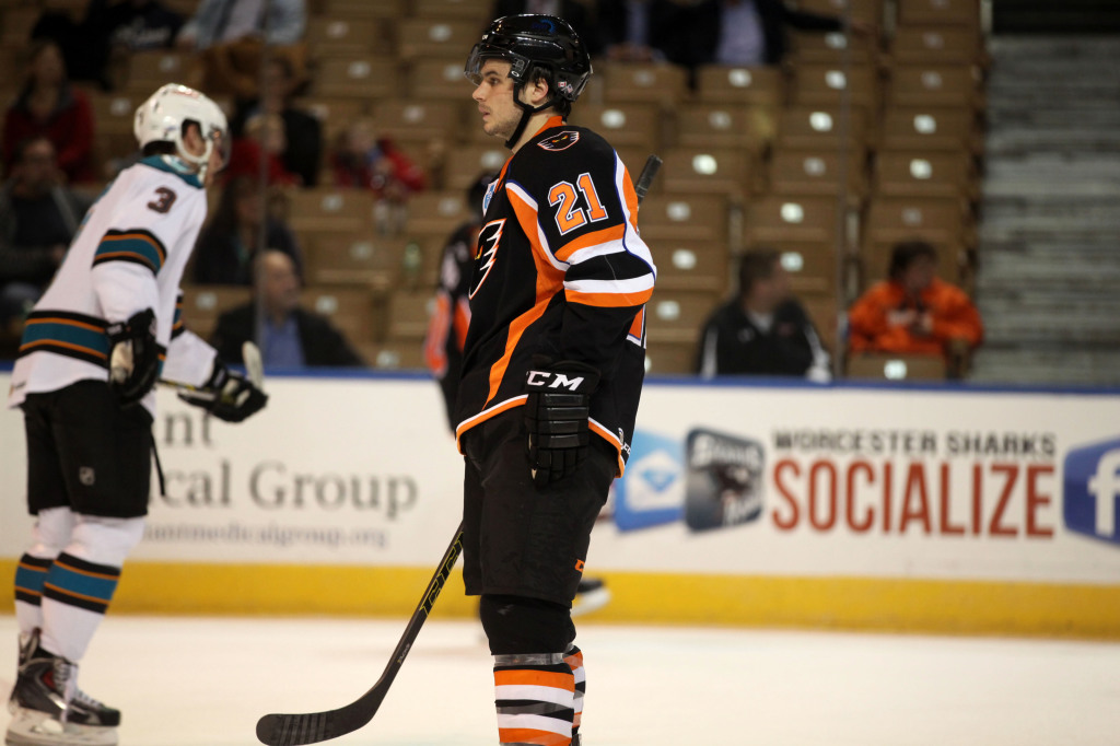 Scott Laughton2